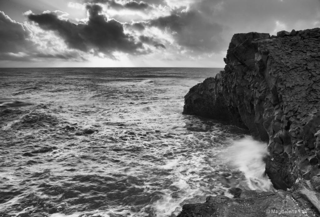 Waves Crashing over the Iceland Rocks