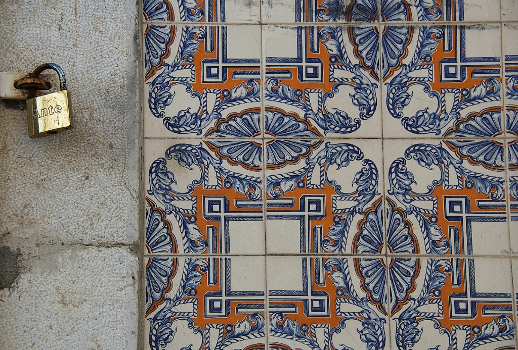 Tiles and Padlock