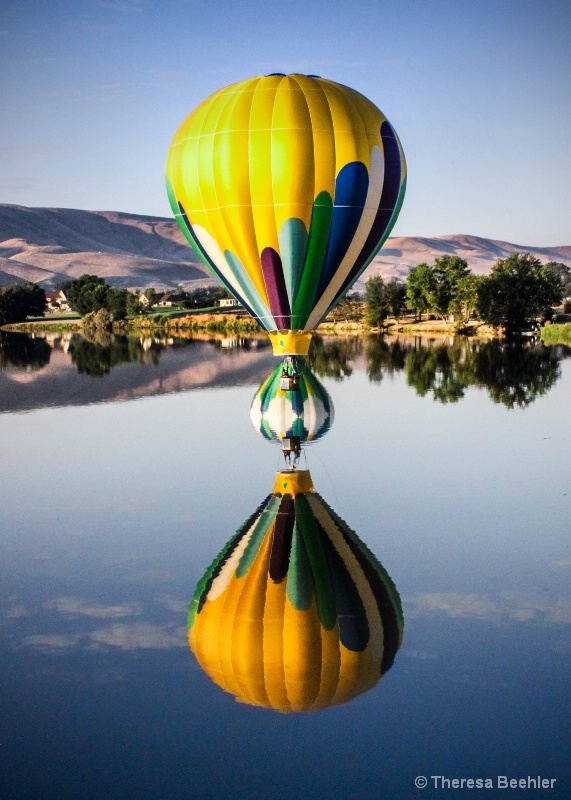 Classic Balloon Reflection - with a Twist
