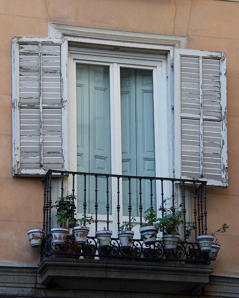 Balcony facing a busy Madrid Street
