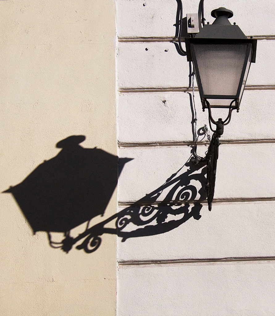 Lampost and its Shadow 2