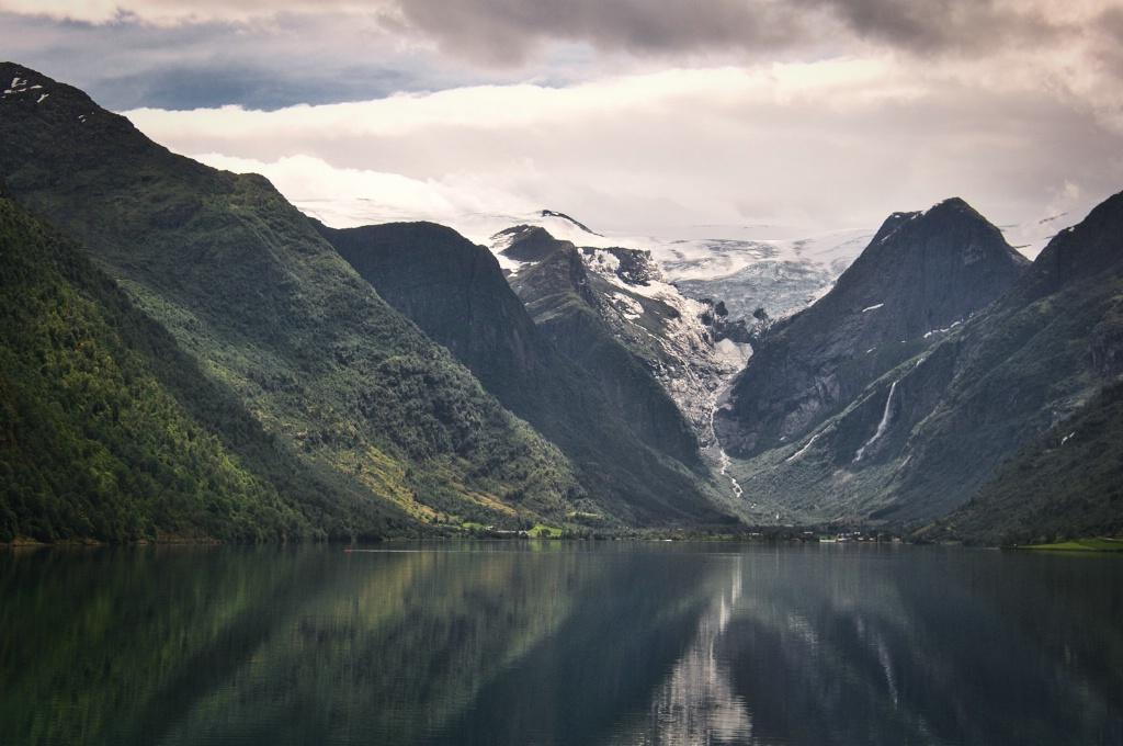 Glacier feeding the Fiord 1
