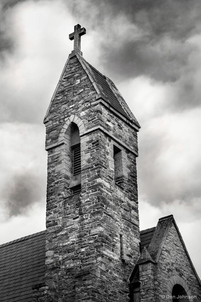 B&W Steeple of Church 11-12-17 167