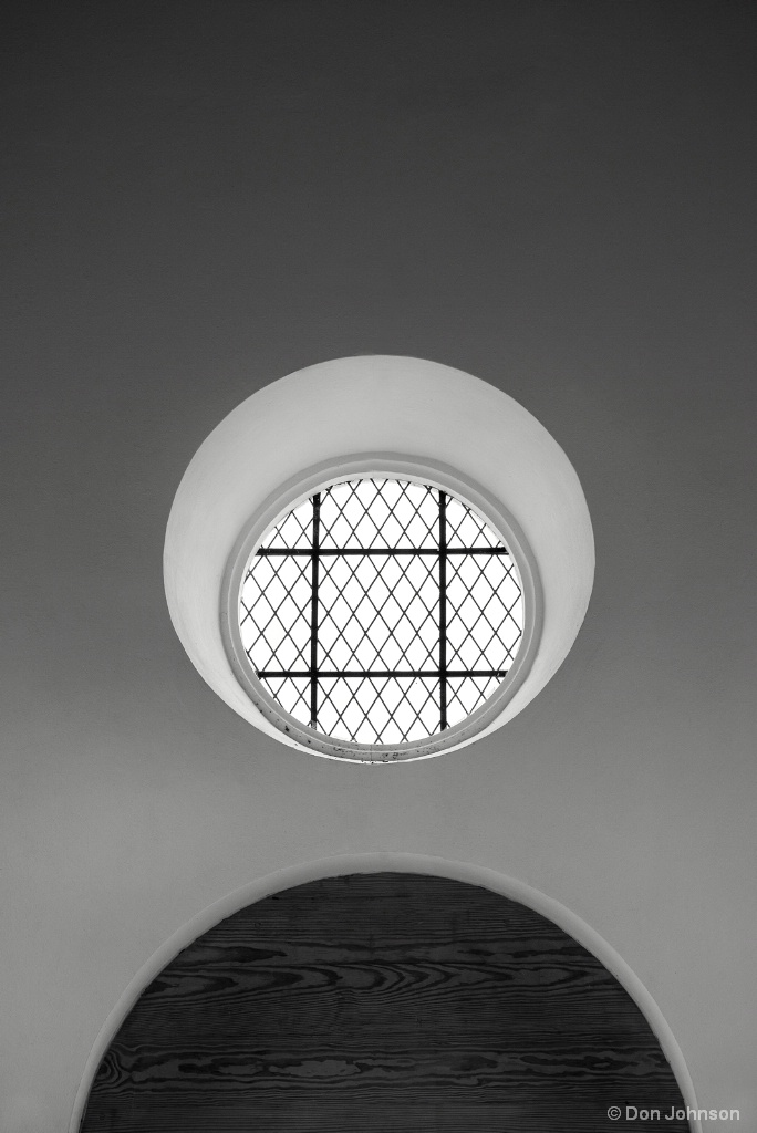 B&W Church Window 4-21-18 053