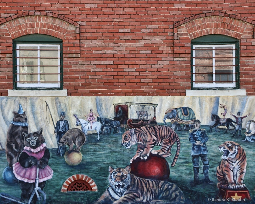 Circus Mural: The Tigers and Bears
