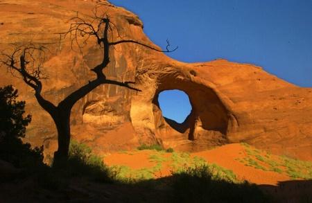 <font color = black>Monument Valley #9