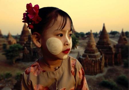 Photography Contest Grand Prize Winner - April 2004: My little burmese best friend.....