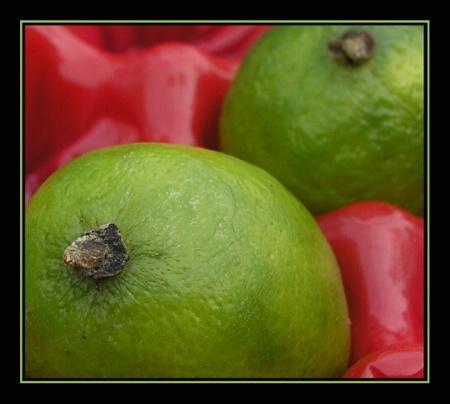 """Lemon in red"""