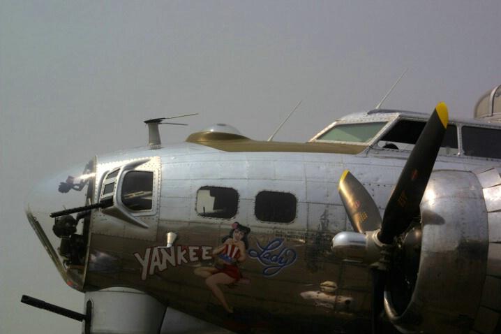 Boeing B 17G (3) - ID: 405181 © James E. Nelson