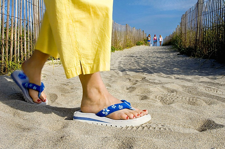 Beach Feet - ID: 859903 © Wendy M. Amdahl
