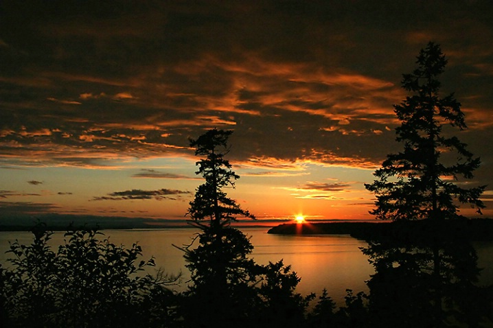 Puget Sound Sunset - ID: 1016485 © Janine Russell
