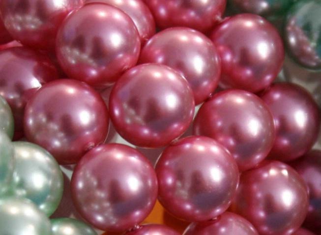 Pearls-3 - ID: 1366656 © Hasmik Hatamian