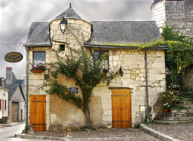 Inn at Candes Saint-Martin