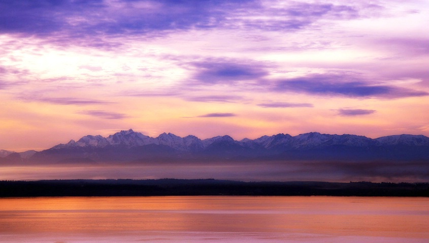 Olympic Mountains Sunset - ID: 1756990 © Janine Russell