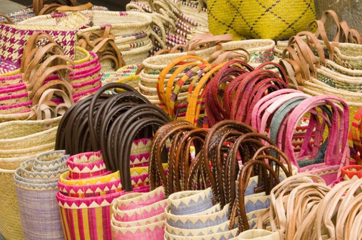 Tote Bags in the Market, Sarlat-la-Caneda, Fr - ID: 3557055 © Larry J. Citra