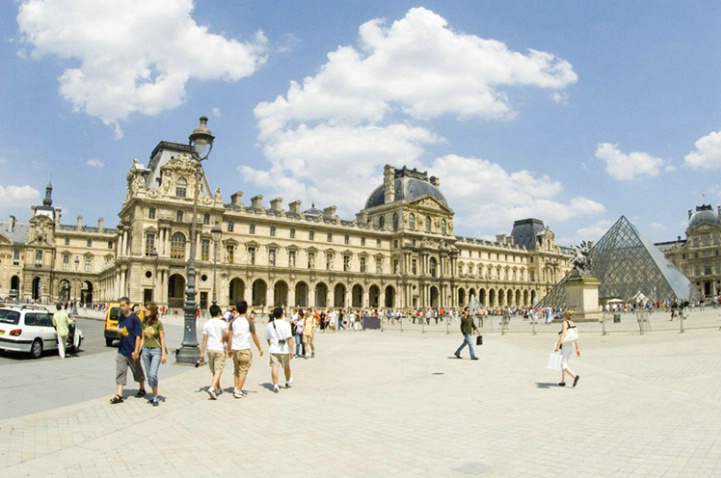Le Louvre Courtyard with Glass Pyramid, Paris - ID: 3581815 © Larry J. Citra