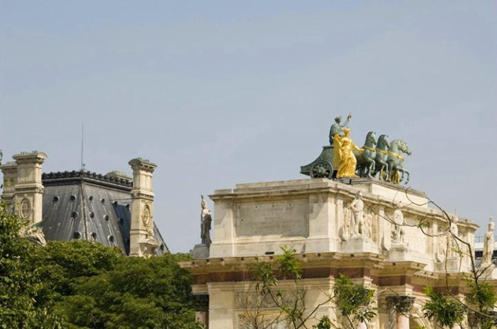 Statue atop Le Louvre, Paris, France - ID: 3581816 © Larry J. Citra