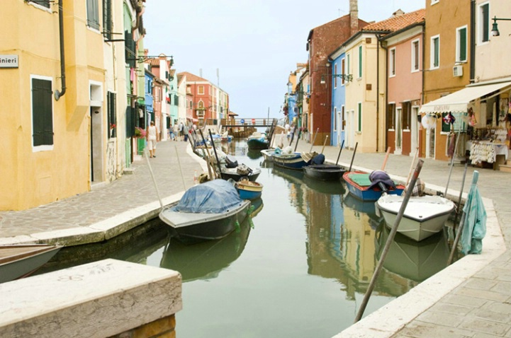 Canal on the Island of Burano, Venice, Italy - ID: 3585679 © Larry J. Citra