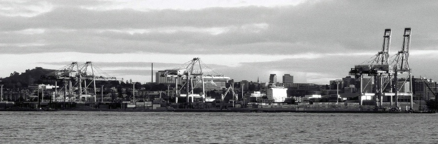 Fergerson Container Terminal  from Devonport - ID: 4317558 © al armiger