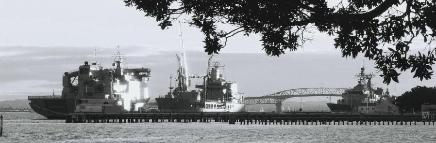 Devonport Naval Base - ID: 4317559 © al armiger