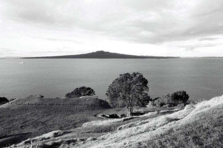 Rangitoto from North Head, Devonport, NZ - ID: 4317579 © al armiger