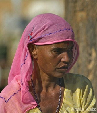Peasant Lady - ID: 4390019 © Annie Katz