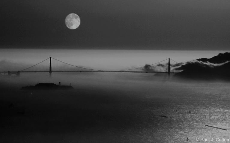 Golden Gate Moon Scape - ID: 4399542 © Paul Cutino