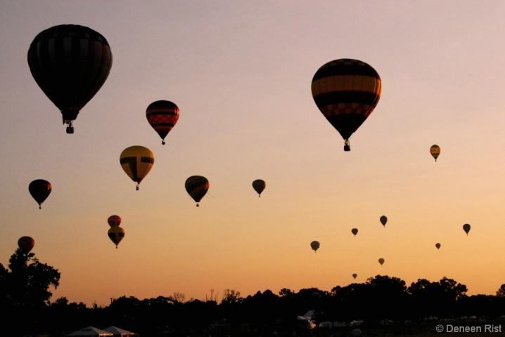 18 Balloons at Sunrise