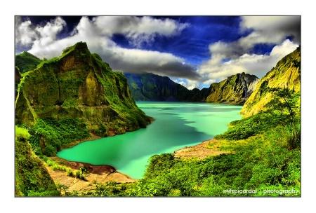 PinatuboCraterLake