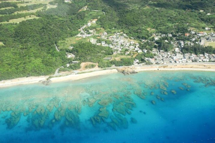 Okinawan Beach - ID: 4988324 © Nichole Gonzalez