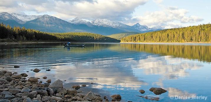 Fishing in Beverly Lake, Jasper - ID: 5424236 © Denise Bierley
