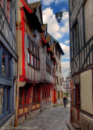 Bicyclist - Vieux Rouen - France