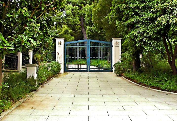 Blue Gate - ID: 6241712 © Craig W. Myers