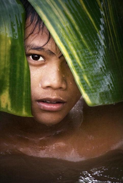 Boy from Mahaka river