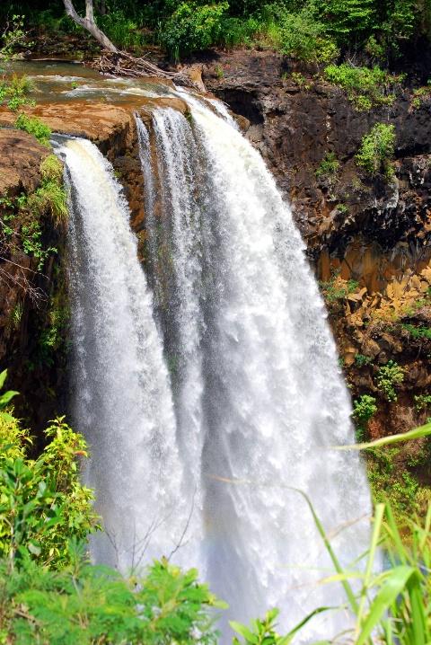 "Hawaii's ""Fantasy Island"" Falls - ID: 6636251 © Clyde P. Smith"