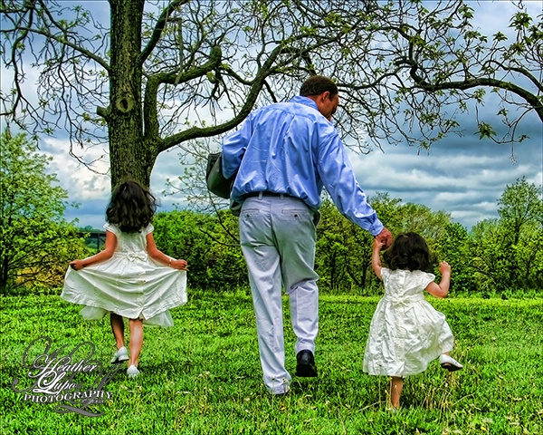 Daddy's Little Girls - ID: 6995371 © Heather E. Lupo