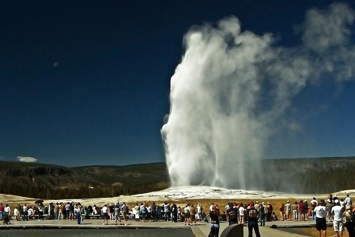 Old Faithful-Yellowstone - ID: 7035332 © Denny E. Barnes