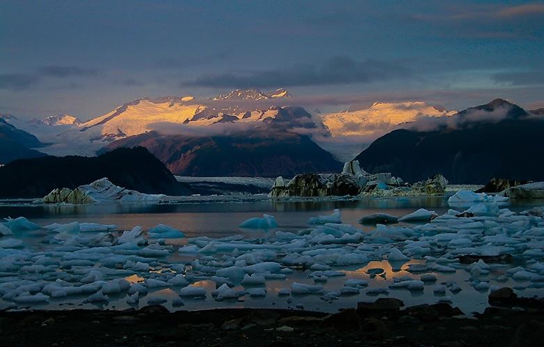 Tat Icebergs - ID: 7741246 © William G. Dunlalp
