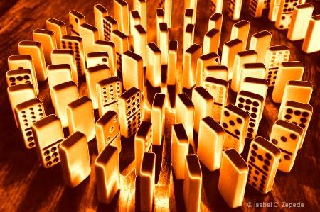 gold dominos
