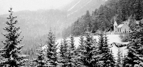 alpine chapel - ID: 7835609 © Joseph T. Dick