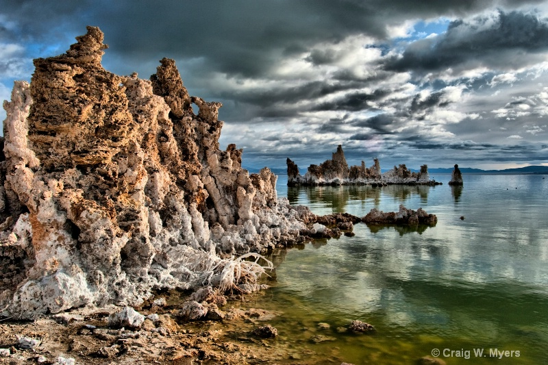 Tufa Formations - ID: 8452563 © Craig W. Myers