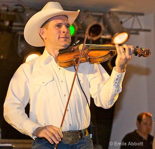 Jason Roberts,  Fiddle - ID: 8466456 © Emile Abbott