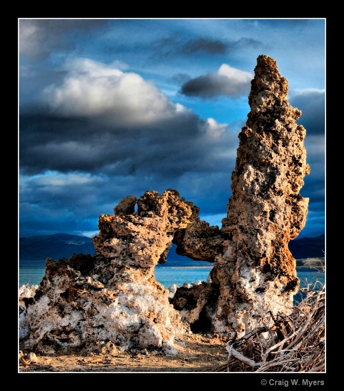 Tufa Arch and Tower - ID: 8519153 © Craig W. Myers