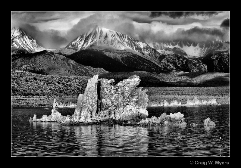 Tufa and Sierra Nevada - BW - ID: 8524202 © Craig W. Myers