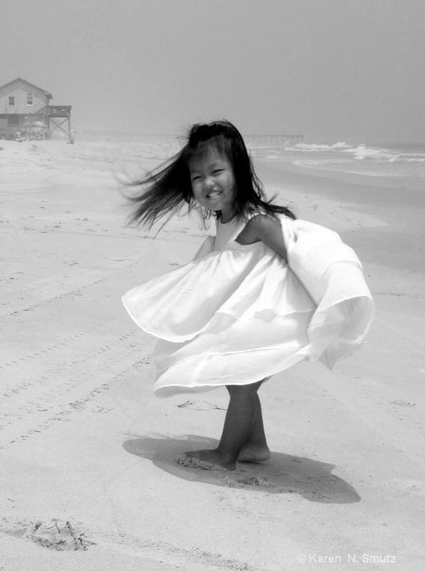 Everlee in summer - ID: 8706035 © Karen N. Smutz