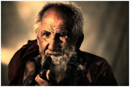 Old man and segar