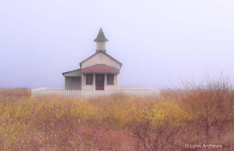 Country Church in the Fog - ID: 8944717 © Lynn Andrews