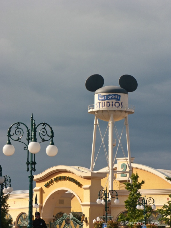 Hollywood Studios, Disneyland Paris - ID: 9043474 © Sharon E. Lowe