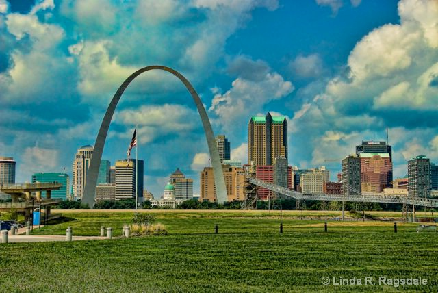 St. Louis Arch - ID: 9261915 © Linda R. Ragsdale