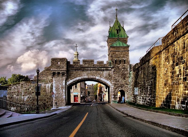 Porte Saint  Louis